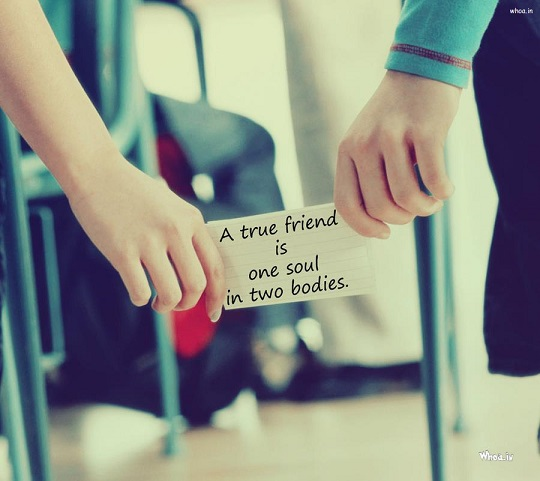 a-true-friend-quote-in-couples-hand